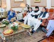 لاہور: گورنر پنجاب چوہدری محمد سرور سے وزیر اطلاعات سید صمصام علی شاہ ..