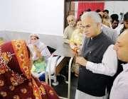 اسلام آباد: وزیر مملکت صحت ڈاکٹر ظفر مرزا پولی کلینک کے اچانک دورہ کے ..