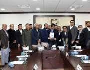 اسلام آباد: صدر آئی سی سی آئی احمد حسن مغل یو کے میڈیا کرکٹ ٹیم کے سربراہ ..