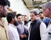 لاہور: وزیر اعلیٰ پنجاب سردار عثمان بزدار میو ہسپتال کی ایمرجنسی کے ..