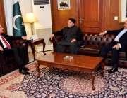 اسلام آباد: وزیر خارجہ شاہ محمود قریشی سے پاکستان تحریک انصاف کے چیف ..