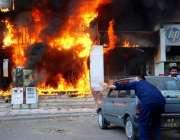 اسلام آباد: وفاقی دارالحکومت میں شارٹ سرکٹ کے باعث پلازہ میں لگنے والی ..