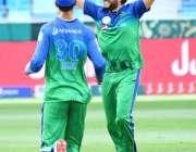 دبئی: پاکستان سپر لیگ میں ملتان سلطانز کے کھلاڑی اسلام آباد یونائیٹڈ ..