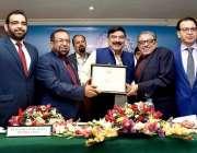 کراچی: وفاقی وزیر ریلوے شیخ رشید احمد کو کراچی چیمبر آف کامرس کے دورہ ..