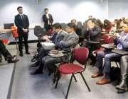 لندن:صدرآزادکشمیر سردار مسعودخان لندن کے شہرت یافتہ کالج میں کشمیر ..