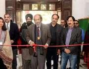 لاہور: وائس چانسلر حسن امیر شاہ گورنمنٹ کالج یونیورسٹی لاہور کے فائن ..
