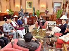 ISLAMABAD: Prime Minister Imran Khan in a meeting with MQM members of National Assembly at PM office.