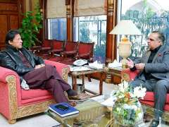 ISLAMABAD: Governor Sindh Imran Ismail called on Prime Minister Imran Khan at PM office.