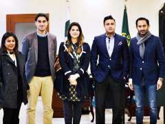 ISLAMABAD: Zulfikar Bukhari, Special Assistant to Prime Minister on Overseas Pakistanis & HRD in a group photo with Junaid Iqbal CEO Careem Pakistan and his team.