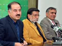 ISLAMABAD: Special Assistant to Prime Minister of Pakistan on Media Iftikhar Durrani addressing press conference.