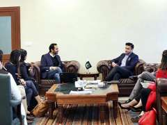 ISLAMABAD: Junaid Iqbal, CEO Careem Pakistan called on Zulfikar Bukhari, Special Assistant to Prime Minister on Overseas Pakistanis & HRD to discuss regularization of e-business and facilitation of Pakistani expats.