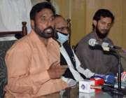 لاہور: پاسبان لیبر موومنٹ پاکستان کے مرکزی صدر میاں اعجازحسین پریس ..