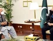 اسلام آباد، صدر مملکت عارف علوی سے وفاقی وزیر ایوی ایشن غلام سرور خان ..