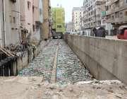 کراچی: پراناحاجی کیمپ پر کورٹ کے احکامات کے باوجود نالے کی صفائی نہیں ..