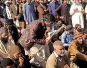اسلام آباد، تحریک لبیک کے کارکن احتجاج کے دوسرے روز فیض آباد میں دھرنا ..