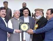 پشاور: وزیراعلیٰ خیبر پختونخوا ، محمود خان پی پی سی کے نومنتخب صدر سید ..