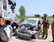 اٹک : ڈھوک جوگیاں کے قریب سنجوال پنڈی روڈ پر کار اور ٹرالر کے حادثے میں ..