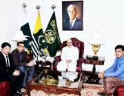 اسلام آباد: صدر اے جے کے سردار مسعود خان سے پی ایم ایل این کلر سیداں ..