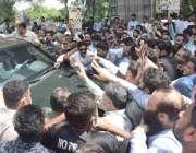 لاہور: پاکستان مسلم لیگ (ن) کے صدرمحمد شہباز شریف کی احتساب عدالت میں ..