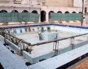 راولپنڈی:حکومتی ایس او پی کے تحت قدیمی جامع مسجد میں وضو کیلئے بنے تالاب ..