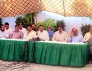 کراچی: پاک سرزمین پارٹی کے چیئرمین پاکستان ہوئس میں پریس کانفرنس سے ..