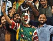لاہور: قذافی اسٹیڈیم میں لاہور قلندرز اور اسلام آباد یونائیٹڈ کے درمیان ..