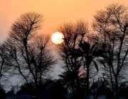 ملتان: شہر کے آسمانوں پر غروب آفتاب کا دلکش نظارہ۔