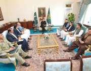 اسلام آباد: وزیر اعظم عمران خان ٹیلی کام انڈسٹری سے متعلق امور پر تبادلہ ..
