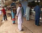 کراچی، کورونا وائرس کو پھیلنے سے روکنے کیلئے ملیر کے علاقے میں بیکری ..