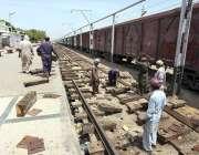 حیدرآباد: کوواڈ 19 کے وباء کے باعث ریلوے سروس معطل ہونے کے سبب ریلوے ..