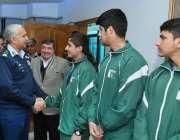 اسلام آباد: ایئر چیف مارشل مجاہد انور خان چیف ایئر اسٹاف پاک فضائیہ ..