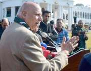 لاہور: گورنر پنجاب چوہدری محمدسرور گورنر ہاؤس لاہور میں میڈیا سے گفتگو ..