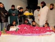 لاہور، تحریک لبیک پاکستان کے سربراہ علامہ خادم حسین رضوی کی میت آخری ..
