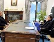 اسلام آباد: وزیراعظم عمران خان سے معروف قانون دان اور سینئر وکیل ڈاکٹر ..
