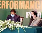 اسلام آباد، وزیراعظم عمران خان وفاقی وزراء کی کارکردگی معاہدہ کی دستاویزات ..