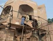 لاہور، مقبرہ جہانگیر کی تزئین و آرائش کا کام جاری ہے۔
