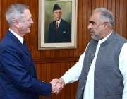 اسلام آباد: اسپیکر قومی اسمبلی اسد قاصر پارلیمنٹ ہاؤس میں آسٹریلیائی ..