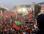 مردان، مسلم لیگ ن کی نائب صدر مریم نواز پی ڈی ایم ریلی سے خطاب کر رہی ..