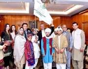 اسلام آباد: ایوان صدر میں صدر ڈاکٹر عارف علوی کو ڈاؤن سنڈروم کے ساتھ ..