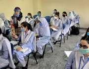 راولپنڈی: سکول و کالج کھلنے کے بعد ایک نجی کالج میں طالبات کے ہاتھوں ..