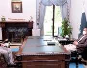 اسلام آباد، وزیراعظم عمران خان سے سینیٹر محسن عزیز ملاقات کر رہے ہیں۔
