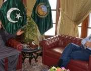 پشاور: گورنر خیبر پختونخوا شاہ فرمان سے ائیر وائس مارشل اے اوی ناردرن ..