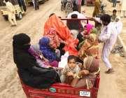 کراچی، لاک ڈائون کے چوتھے روز نمائش چورنگی پر واقع سیلانی کے آفس سے ..