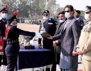 اسلام آباد، وزیراعظم عمران خان پولیس لائن ہیڈکوارٹرز میں اعلی کارکردگی ..