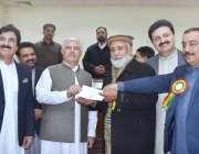پشاور: وزیراعلیٰ خیبرپختونخوا ، محمود خان پی پی سی کے نومنتخب صدر سید ..