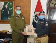 لاہور : آئی جی پنجاب شعیب دستگیر ملاقات کے بعد آئی جی گلگت بلتستان ڈاکٹر ..