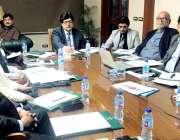 لاہور: چیف سیکرٹری پنجاب میجر (ر) اعظم سلیمان خان صوبے میں کورونا وائرس ..