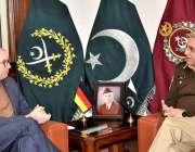 راولپنڈی: وفاقی دفتر خارجہ جرمنی کے وزیر مملکت نیلس عنین نے جی ایچ کیو ..