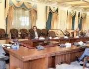 اسلام آباد، وزیراعظم عمران خان کو کوویڈ19 پر بریفنگ دی جا رہی ہے۔