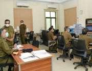 لاہور:آئی.ی پنجاب شعیب دستگیر سی پی او کنٹرول روم کے دورے  پر سکیورٹی ..